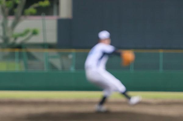 投手も左利きは希少ですね