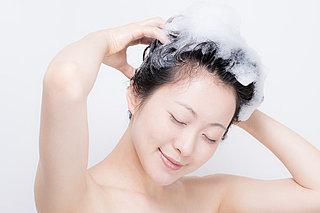 抜け毛の季節のスカルプケアに! 自宅で簡単にできる炭酸シャンプー
