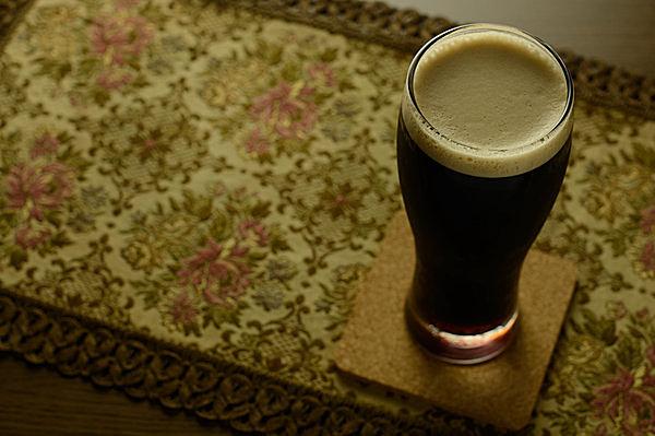 ビアサーバーで注ぐコーヒー⁉クリーミーな泡を楽しむ「ナイトロ・コールドブリュー・コーヒー」とは