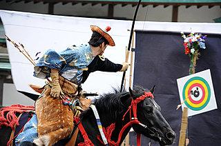 9月16日 流鏑馬と放生祭―伝統の儀式と季節の楽しみ