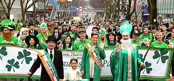 あの緑色のパレードの正体は!? 流行のきざし! 「セント・パトリックス・デイ」