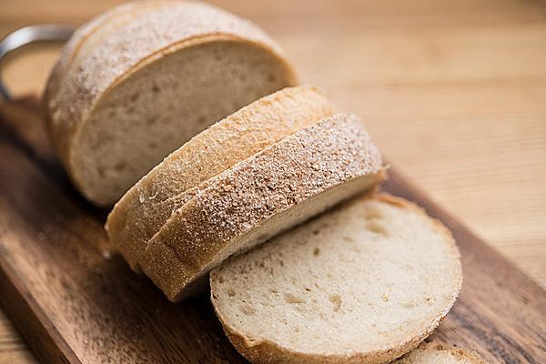 パンも酵母から作られる食品