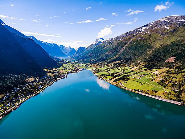 大自然に囲まれたノルウェーの風景