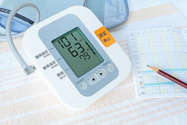血圧の乱高下には多大なリスクが……!