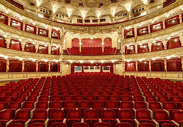 11月24日は「オペラの日」、オペラってどんな劇?
