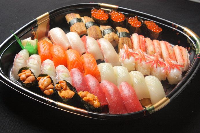 大みそかこそ生寿司。さあ、食べるぞ!!