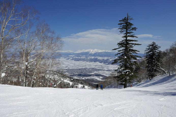 パノラマコースから大雪山連峰を望む