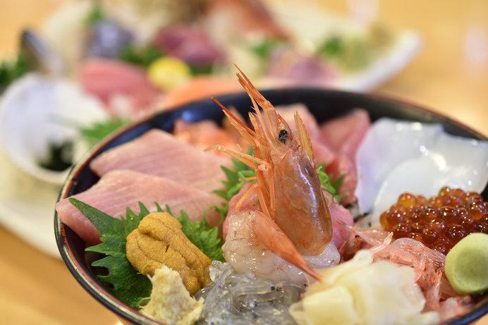 海鮮丼はやっぱり美味しい!(画像はイメージ)