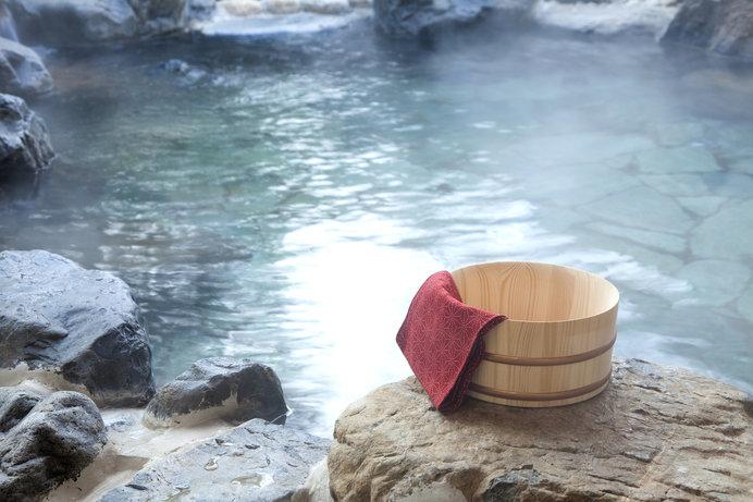 温泉でゆっくりカラダの芯から温まりましょう(画像はイメージ)