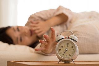 """""""睡眠負債""""解消へ!コーヒープラス仮眠(Coffee Nap)で、年末の忙しさを乗り切りましょう!"""