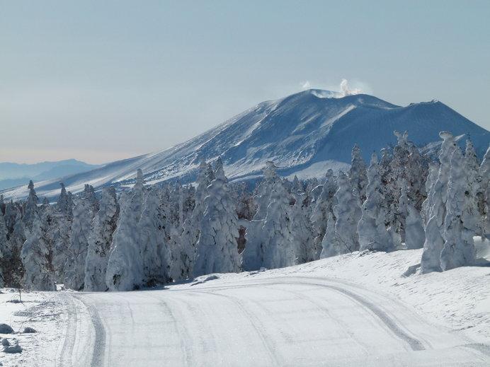 ゲレンデから眺める浅間山、山肌までくっきり見えます