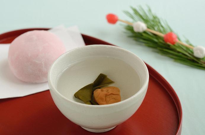 年神様を迎えるお正月。若水でいれた大福茶を