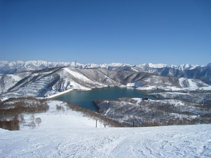 田代湖に滑り込むような爽快感を味わえます!