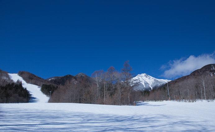 雄々しい八ヶ岳に見守られているようなサンメドウズ清里スキー場