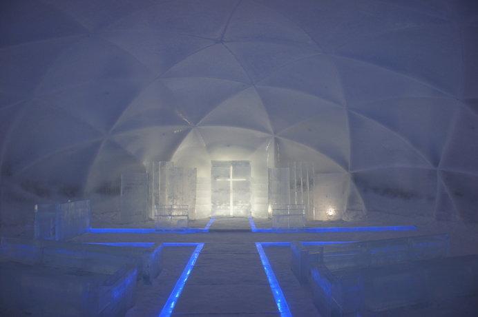 アイスヴィレッジの氷の教会