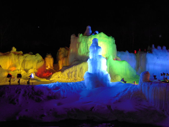 幻想的な景色が並ぶ冬の街。一度は訪れたい!