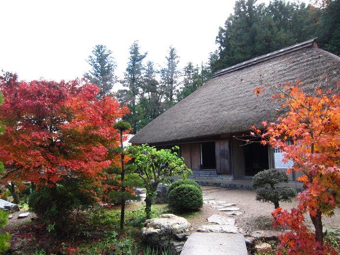 県指定の有形民俗文化財である細川紙・紙漉き家屋