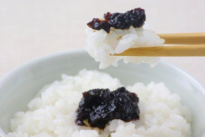 海苔のタイプを大別すると、乾燥させたものと生で食べるものに分けられる