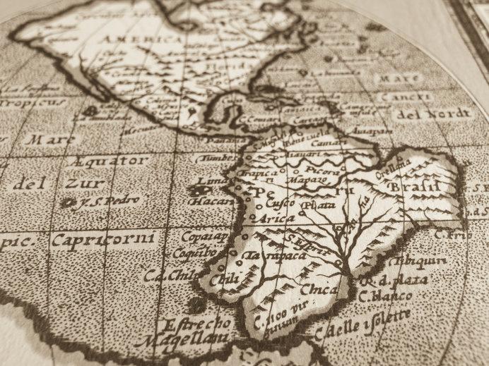 世界地図に描かれた海岸線をヒントに大陸移動説が生まれた