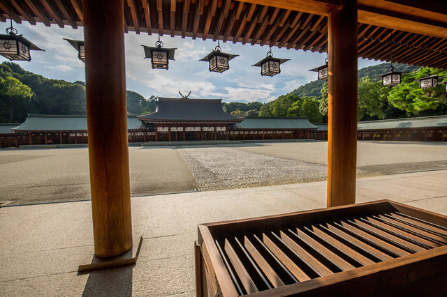 建国記念の日は2月11日。では、建国された「年」はいつ?神話の国・日本の知られざる歴史