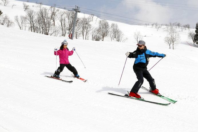 スクールでしっかり技術習得!「春休みキッズスキー&スノーボードキャンプinムイカスノーリゾート」