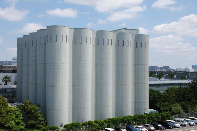 ビール工場ののっぽタンク(写真はイメージです)