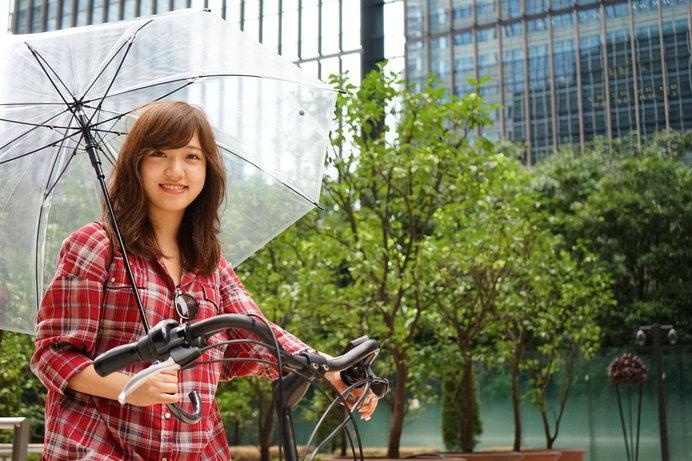 雨の日の傘差し運転はとても危険