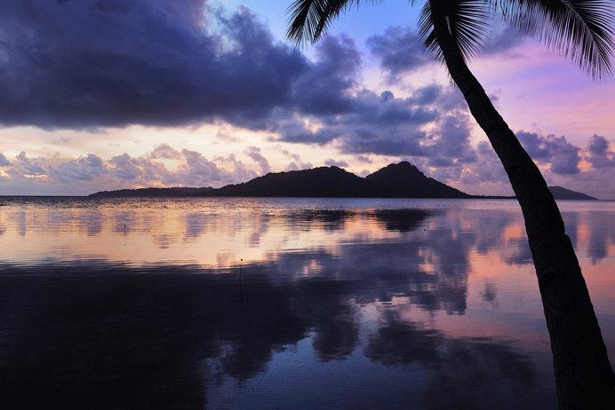 トラック諸島の朝日