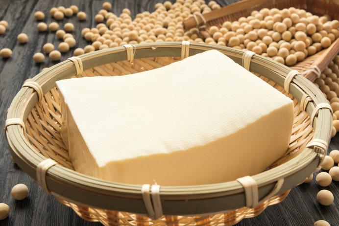 木綿豆腐は上澄みをとって、ギュッと固めて作ります