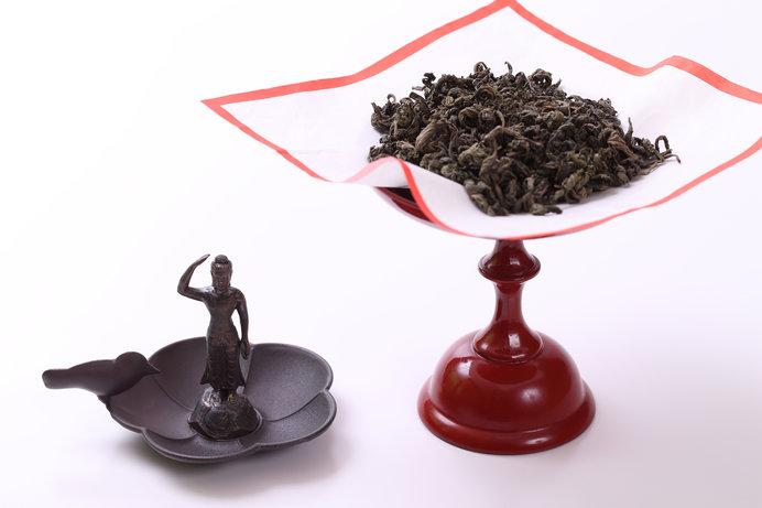誕生仏と甘茶