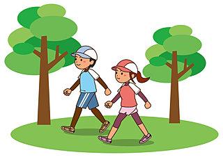 正しい姿勢で歩いて心身ともにリフレッシュ!気軽に実践できるウォーキングの基本ポイント