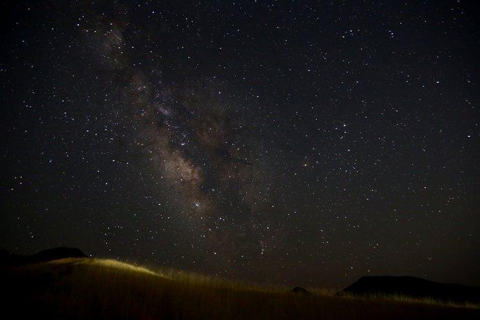 ホタル観賞のあとは、満天の星がきらめく曽爾高原まで足をのばしては?