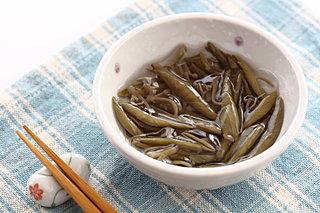 ヌルヌルが命の「じゅんさい」って何だ!?北日本で食べる水草の新芽