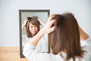 湿気で髪がまとまらない!〈梅雨の時季の髪の湿度対策とお手入れ法〉