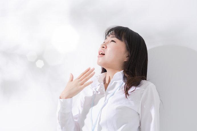梅雨の時季は湿度が高いもので、肌乾燥とは無縁……と油断しがち