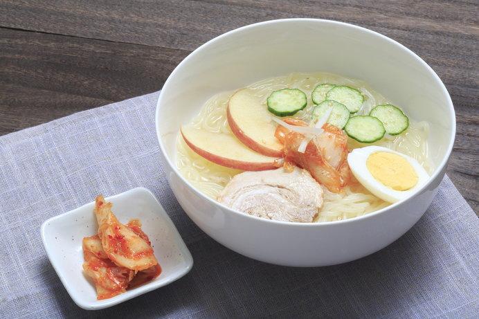 韓国料理の定番の冷麺。中華麺ではない。