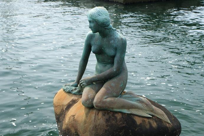 アンデルセンの『人魚姫の像』は日本にも(大阪港)