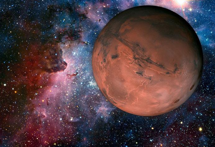 7月28日皆既月食、31日火星大接...