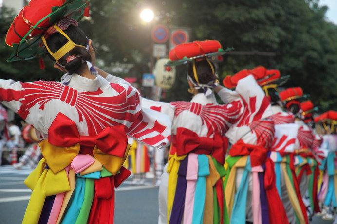 豪快な太鼓パレードと力強く優雅な舞いが魅力の「盛岡さんさ踊り」