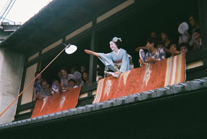 *エモ写真のすすめ*フィルムカメラで京都祇園祭りを撮ってみた