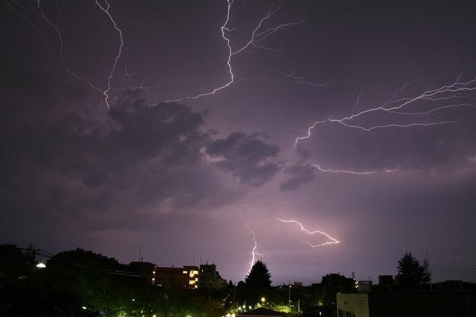 知って得する季語」雷は雷でも、...