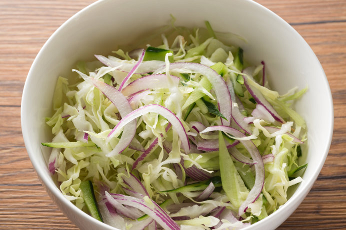 サラダでもおいしいですが、ひと手間でグッと変わりますよ