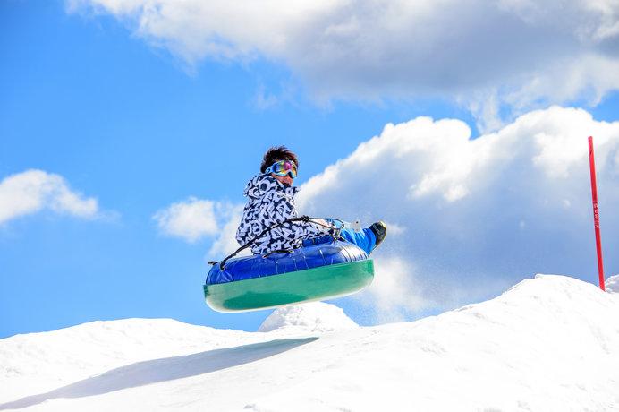 晴天率はなんと90%(スキー場発表)という「軽井沢スノーパーク」(群馬)
