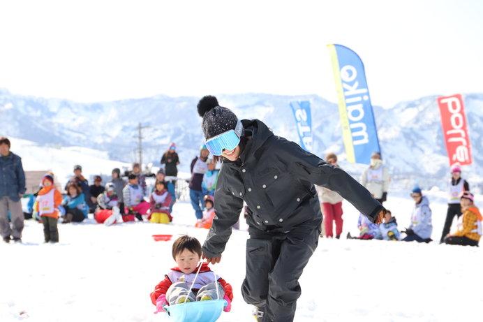 上村さんは雪上運動会が大好き♪ 参加者の誰よりも笑顔がこぼれる