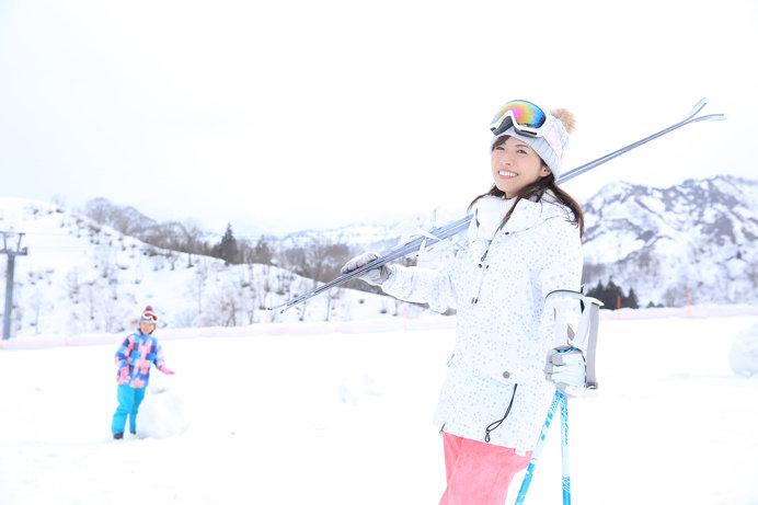 「スキーって、行くまでが大変……」と思っていませんか?