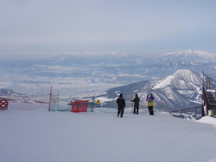 スキーやスノボをしない方も「SORA terrace」からの絶景を楽しめます!