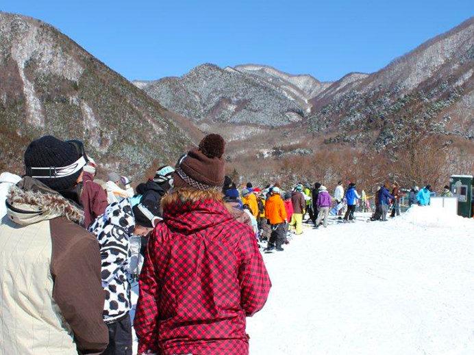 首都圏から約80分! ファミリーに人気のカムイみさかスキー場