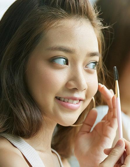年齢があらわれやすい部分だからこそ、眉の形を見つめ直してみましょう!