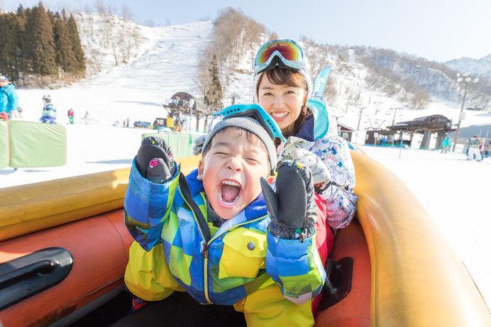 未就学児は保護者同伴で無料の湯沢中里スノーリゾート。「スキー子供の日」は小学生まで無料に!