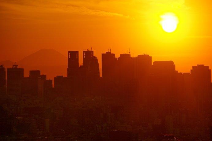 1月8日は「平成スタートの日」です。昭和から平成まで、時代背景が生んだ「◯◯世代」を振り返る